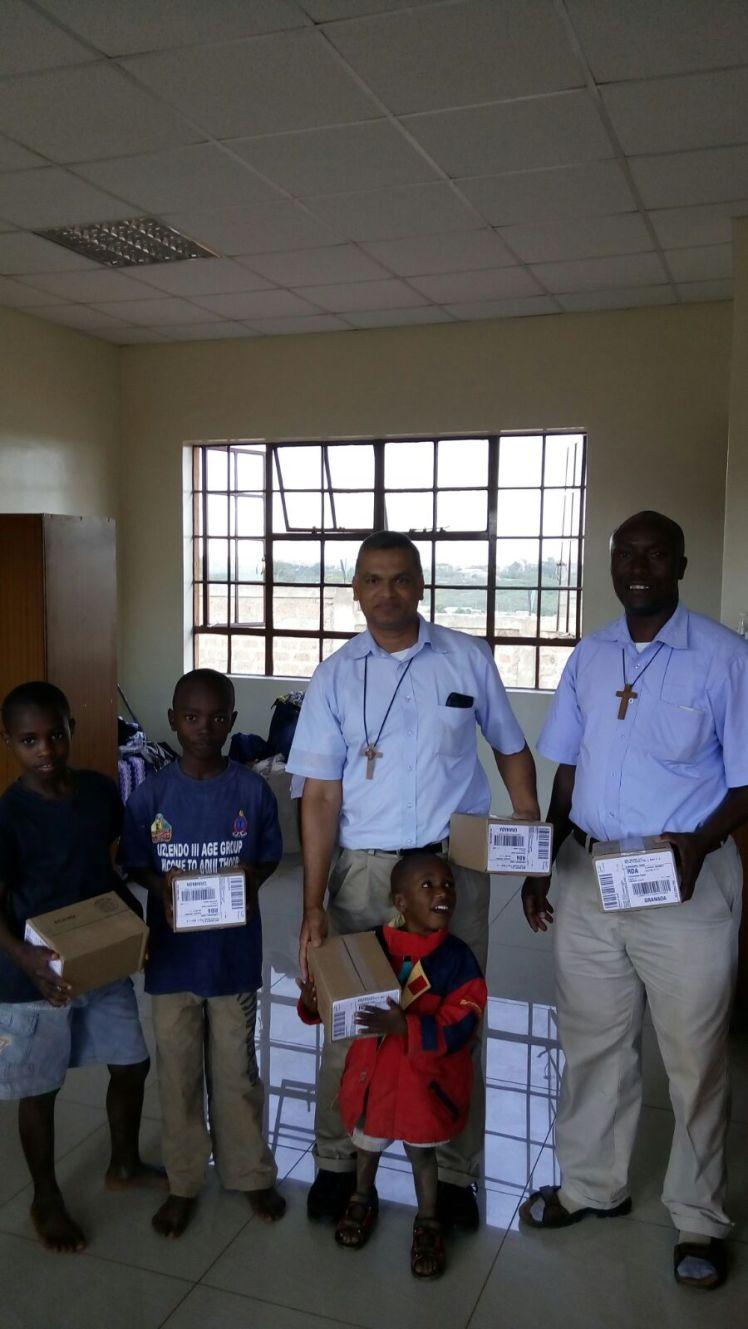 Recepcion en Good Shepard Home, Nairobi la donacion de DHU para SHUMA.